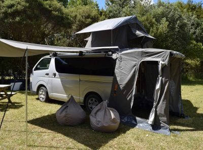 Throw over tailgate and drive away awnings